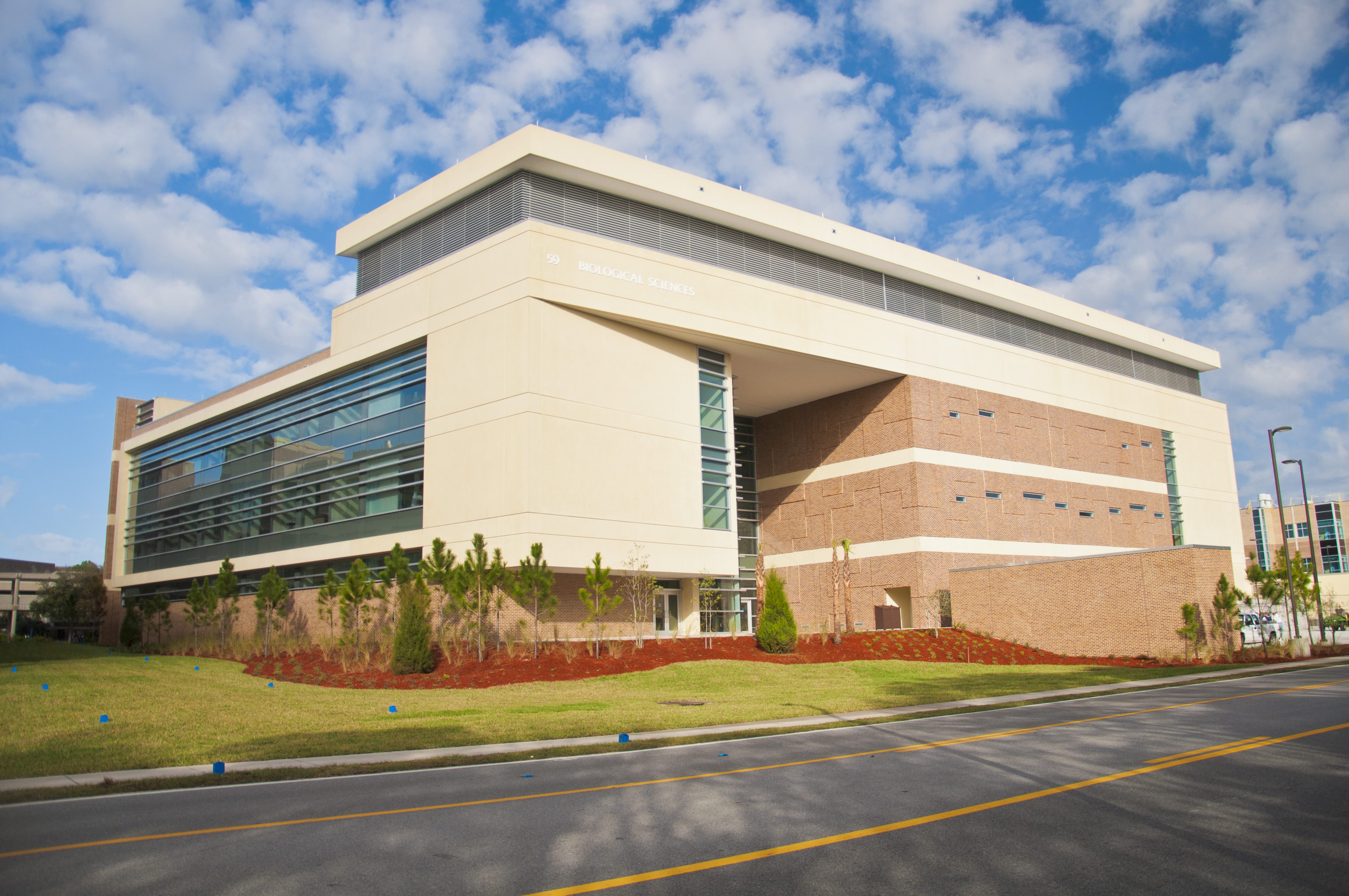 unf s brand new state of the art biological sciences building